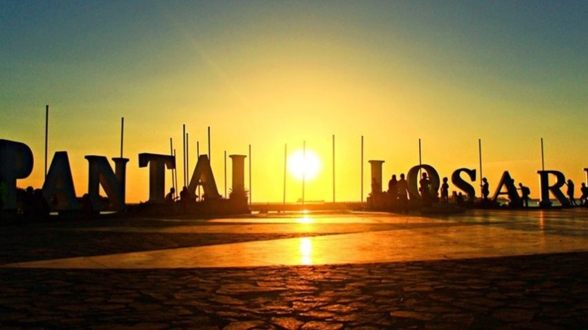 Pantai losari simbol kebanggan Kota Makassar