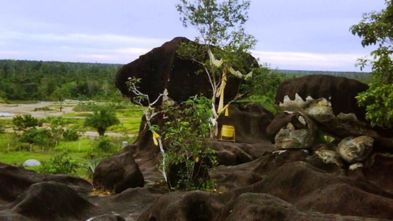 Legenda Batu Banama, Sangkuriang Versi Dayak